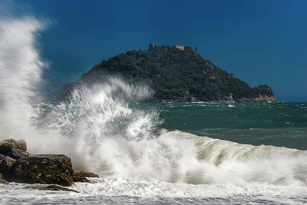 Gallinara Island Seastorm - Mareggiata All'isola Gallinara Poster