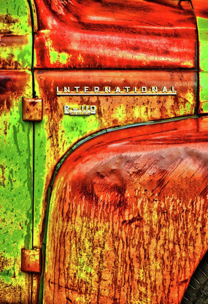 International Mcintosh Vert Poster