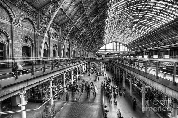London St Pancras Station Bw Poster