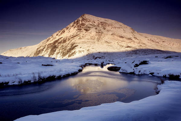 Pen Yr Ole Wen From Cwm Idwal Poster