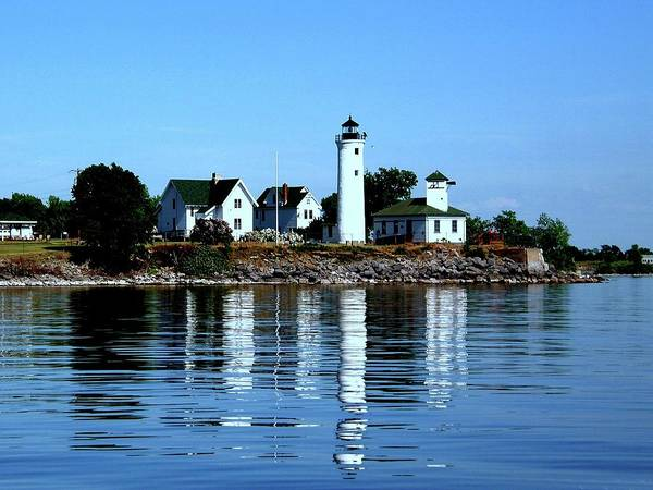 Reflections At Tibbetts Point Lighthouse Poster