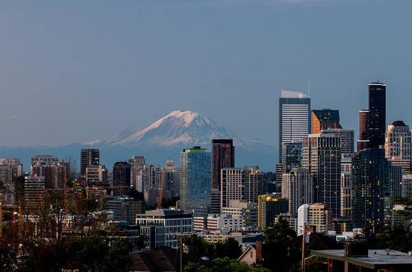 Seattle-mt. Rainier In The Morning Light .1 Poster