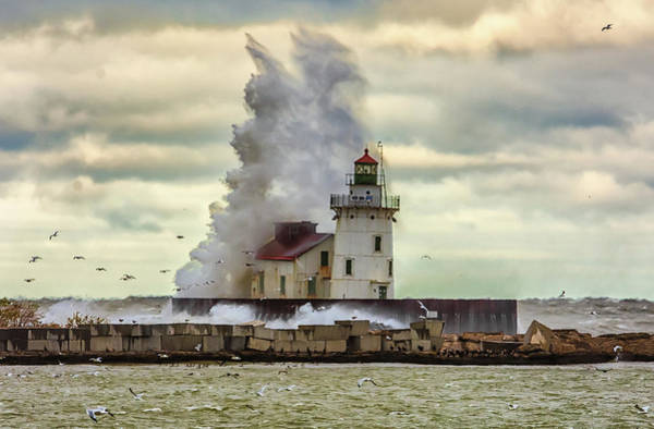 Storm Waves At The Cleveland Lighthouse Poster