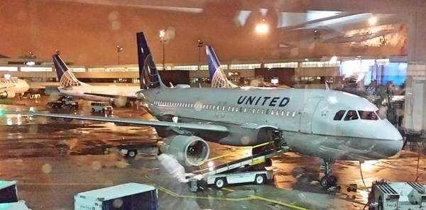 United Airlines A319 At Newark Airport Poster