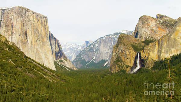 Yosemite Valley 7d6063 Poster