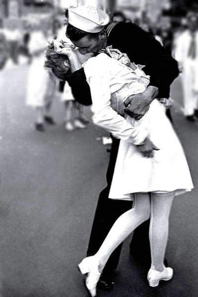 The Kiss,  V J Day Times Square  Poster