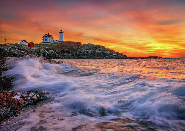 Dawn At Cape Neddick Lighthouse Poster