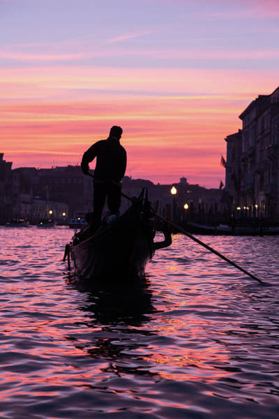 Gondolier At Sunset Poster