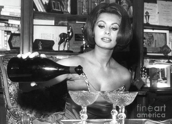 Sophia Loren, Coupe Champagne Glasses Poster