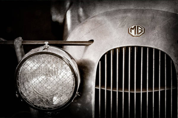 Photograph - 1934 Mg Pa Midget Supercharged Special Speedster Grille - Emblem by Jill Reger