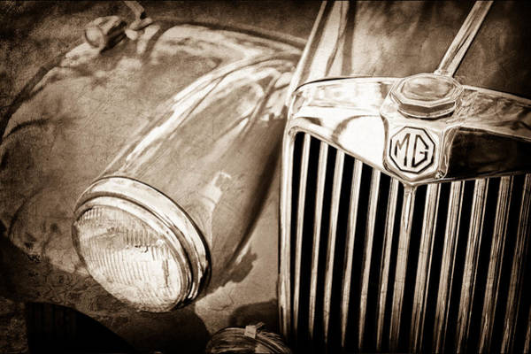 Mg Photograph - 1955 Mg Tf 1500 Grille by Jill Reger