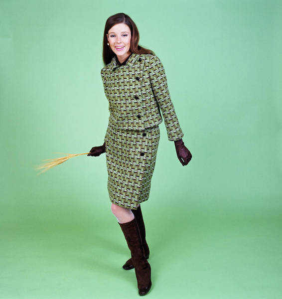 Wall Art - Photograph - 1960s Young Woman Modeling Green Wool by Vintage Images