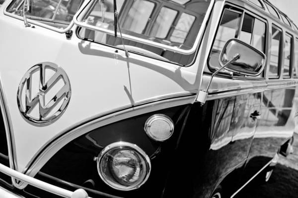 Volkswagen Photograph - 1966 Volkswagen Vw Microbus by Jill Reger