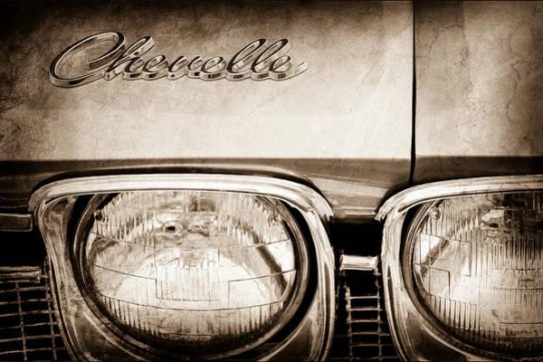 Chevy Chevelle Wall Art - Photograph - 1968 Chevrolet Chevelle Hood Emblem by Jill Reger