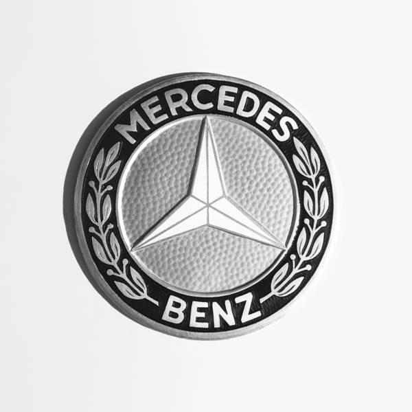 Photograph - 1969 Mercedes-benz 280 Sl Emblem by Jill Reger
