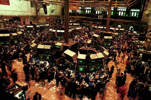 Wall Art - Photograph - 1980s New York Stock Exchange Trading by Vintage Images