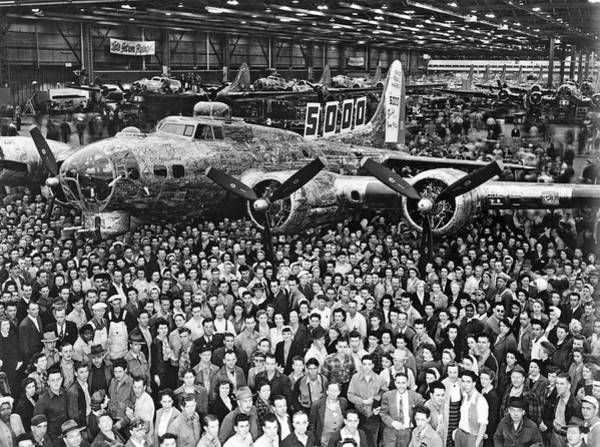 Wall Art - Photograph - 5,000th Boeing B-17 Built by Underwood Archives