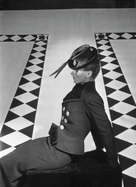 Lisa Fonssagrives Photograph - A Portrait Of Lisa Fonssagrives Sitting by Horst P. Horst