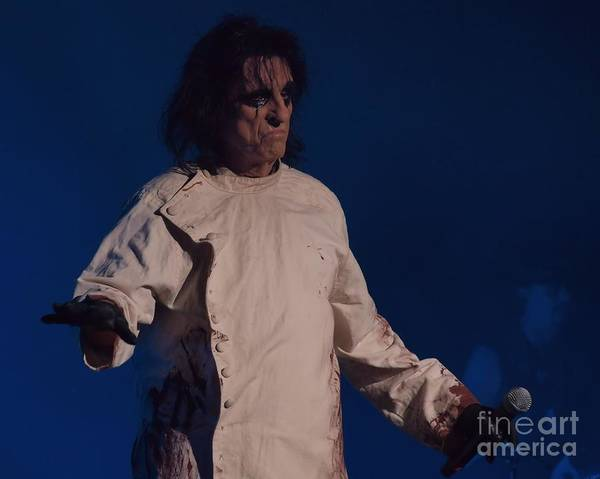 Alice Cooper Wall Art - Photograph - Alice Cooper  by Frank Piercy