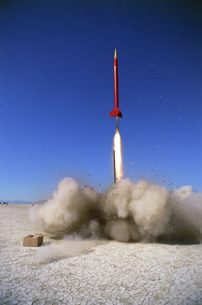 Wall Art - Photograph - Amateur Rocketry by Peter Menzel/science Photo Library