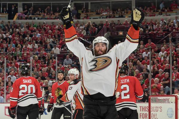 Chicago Blackhawks Photograph - Anaheim Ducks V Chicago Blackhawks - by Bill Smith
