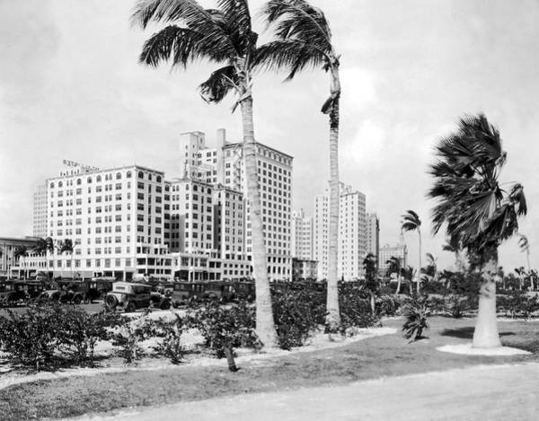 Wall Art - Photograph - Bayfront Park In Miami by Underwood & Underwood