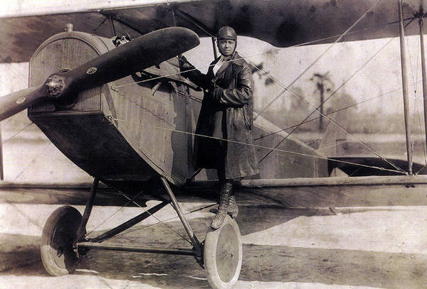 Wall Art - Photograph - Bessie Coleman, American Aviator by Science Source