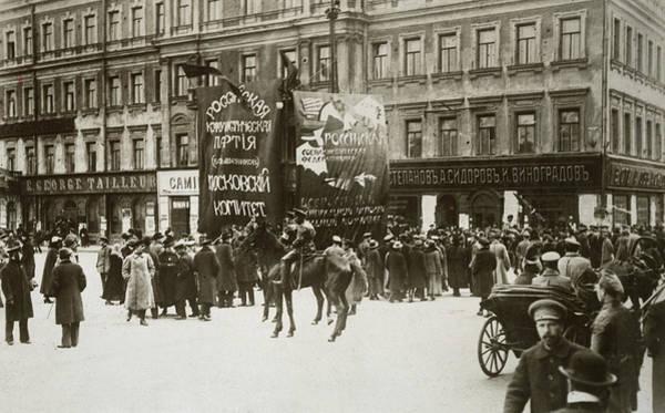 Wall Art - Photograph - Bolshevik Russia, C1918 by Granger