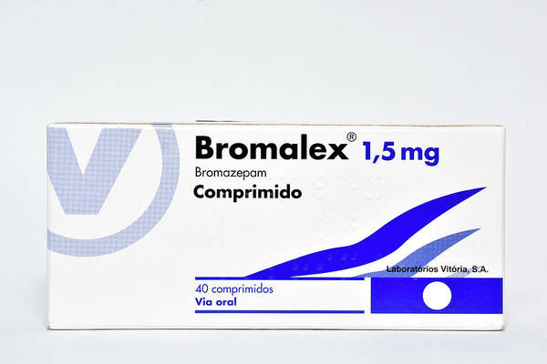 Sleep Disorder Photograph - Bromazepam Anti-anxiety Drug by Dr P. Marazzi/science Photo Library