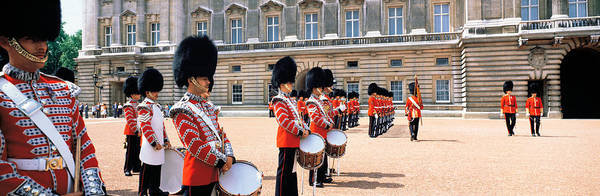 Sentry Wall Art - Photograph - Buckingham Palace London England by Panoramic Images