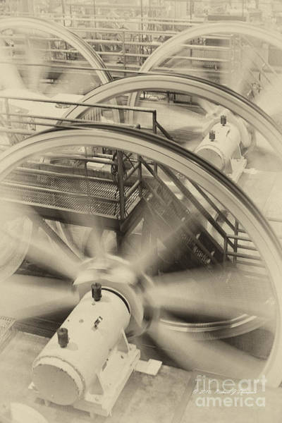 Photograph - Cable Pullers by Richard J Thompson