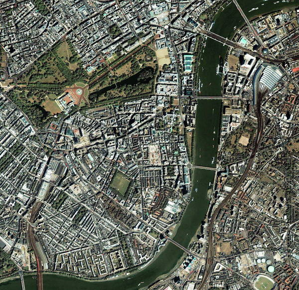 James River Photograph - Central London by Geoeye/science Photo Library