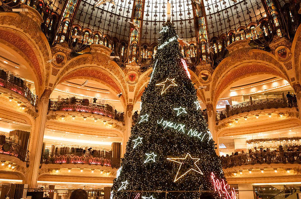 Galeries Lafayette Photograph - Christmas At Galeries Lafayette by Joshua Tann
