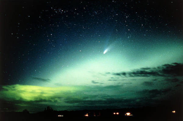 Wall Art - Photograph - Comet Hale-bopp And Aurora Borealis by Pekka Parviainen/science Photo Library