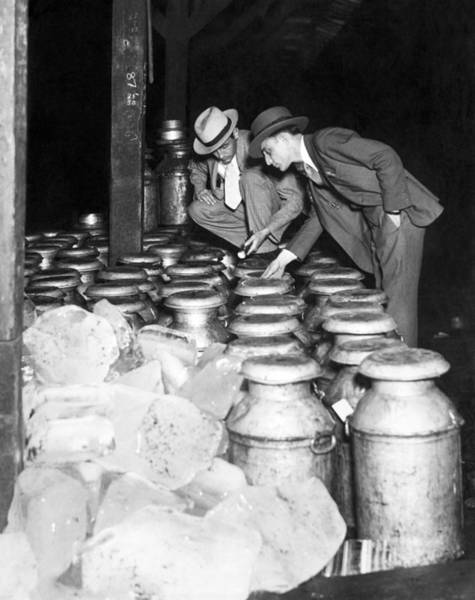 Wall Art - Photograph - Dairy Product Inspection by Underwood Archives
