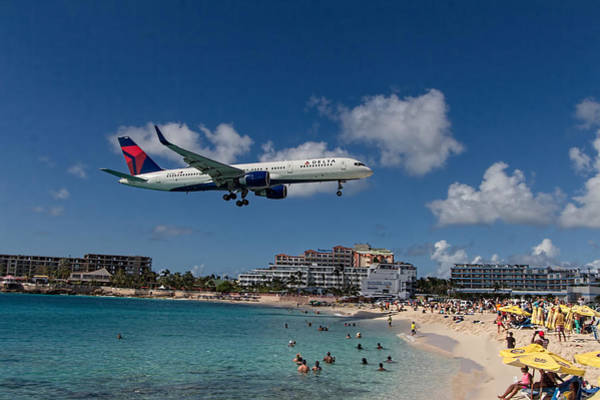 Delta Air Lines Wall Art - Photograph - Delta Air Lines Landing At St Maarten by David Gleeson