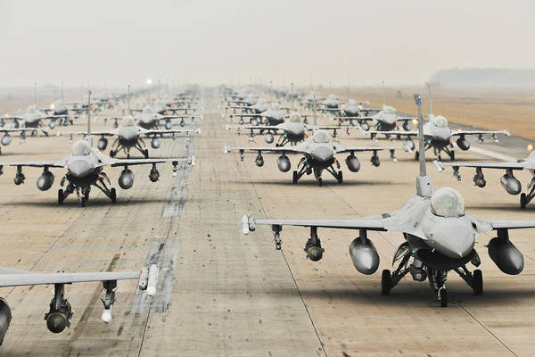 Photograph - F-16 Fighting Falcons, Kunsan Air Base by Science Source