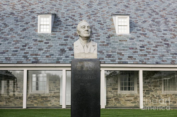 Wall Art - Photograph - Fdr Presidential Library by John Greim