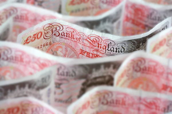 Wall Art - Photograph - Fifty Pound Notes by Paul Rapson/science Photo Library