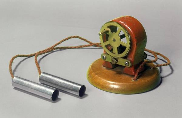 Twentieth Century Wall Art - Photograph - Galvanic Coil by Science Photo Library
