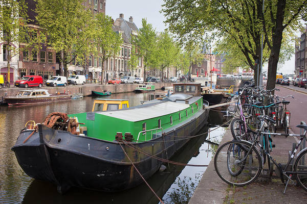 Houseboat Photograph - Geldersekade Canal In Amsterdam by Artur Bogacki