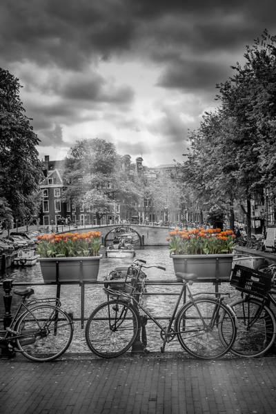 Dutch Tulip Photograph - Gentlemens Canal Amsterdam by Melanie Viola