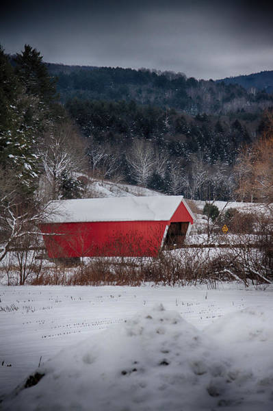 Red Covered Bridge Photograph - Gifford Covered Bridge In East Randolph Vermont by Jeff Folger