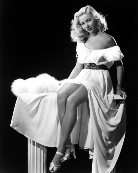 Wall Art - Photograph - Gloria Grahame by Silver Screen