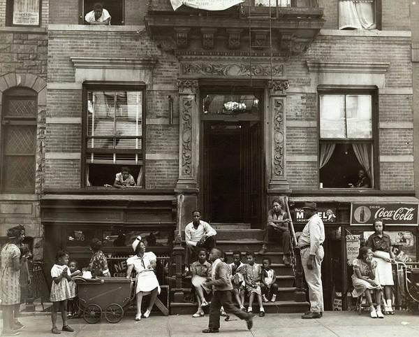 Wall Art - Photograph - Harlem, C1935 by Granger