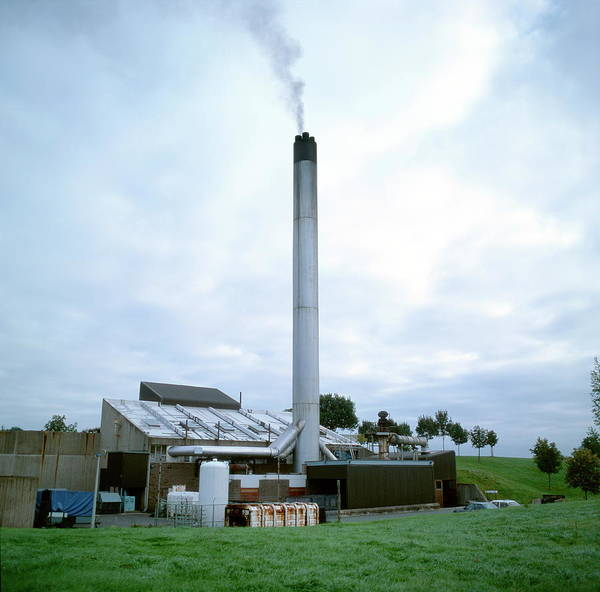 Wall Art - Photograph - Hospital Incinerator by Robert Brook/science Photo Library