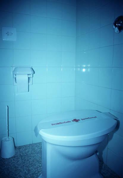 Toilet Paper Photograph - Hotel Bathroom Toilet by Cristina Pedrazzini/science Photo Library