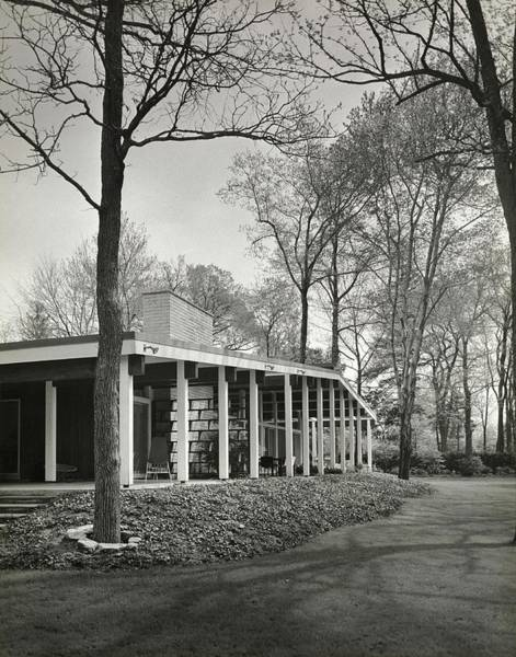 Front Yard Photograph - House Designed By Emily Malino by Pedro E. Guerrero