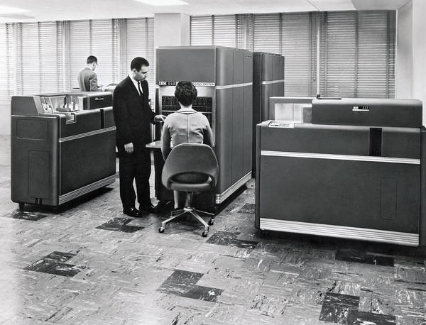 Wall Art - Photograph - Ibm 650 Data Processing System by Underwood Archives
