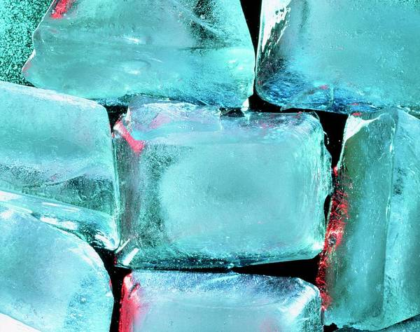 Wall Art - Photograph - Ice Cubes by Adam Hart-davis/science Photo Library